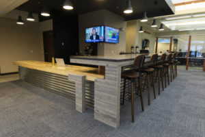 lobby front desk and bar